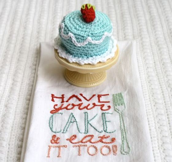 one-sheepish-girl-crochet-birthday-cake-4